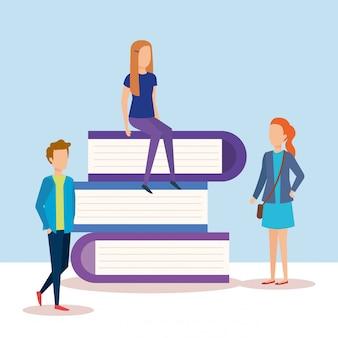 Mini personas con libros de texto de pila