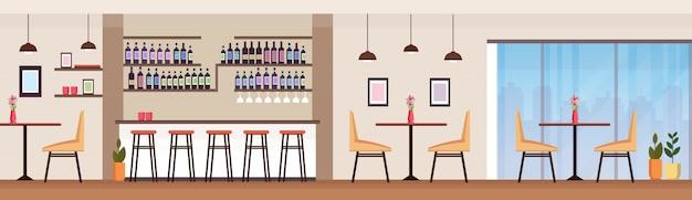 Moderno bar de cócteles con botellas de alcohol vacías sin gente restaurante interior mostrador sillas altas mesas banner horizontal plana