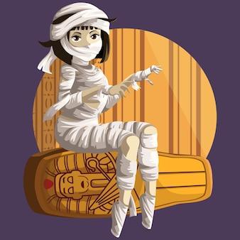 La momia femenina se sienta en el sarcófago