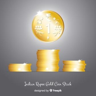 Monedas de rupias indias doradas y apiladas realistas