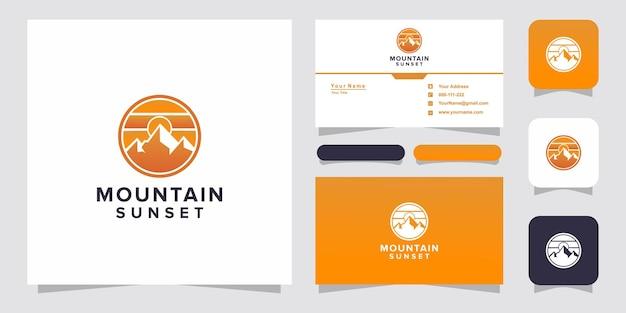 Montaña con logotipo de puesta de sol y tarjeta de visita