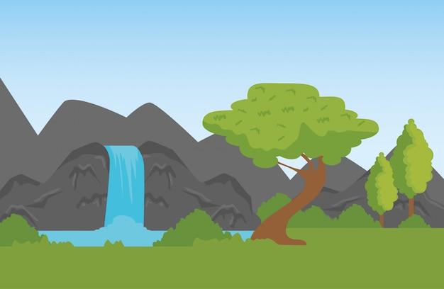 Montañas de la naturaleza con cascada a la reserva de vida silvestre