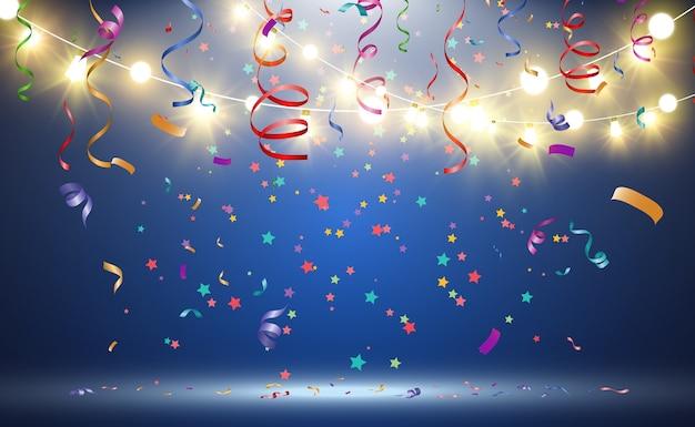 Montón de cintas y confeti diminutos de colores sobre fondo transparente. evento festivo y fiesta. fondo multicolor confeti de colores brillantes aislado sobre fondo transparente