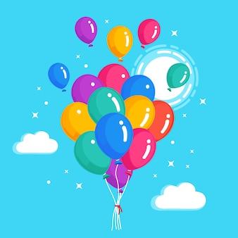 Montón de globo de helio, bolas de aire volando en el cielo. concepto de feliz cumpleaños.