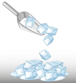 Montón de hielo y cuchara de metal.