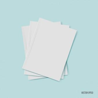Montón de hojas de papel en blanco