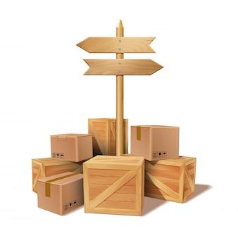 Montón de productos apilados de cartón y cajas de madera.