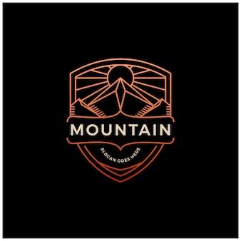 Mountain + shield logo insignia emblema línea vintage esquema diseño monoline