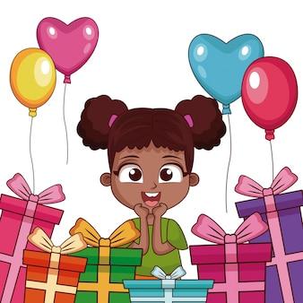 Muchacha del cumpleaños con regalos y globos