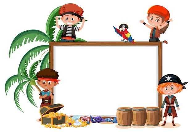 Muchos niños piratas con plantilla de banner en blanco