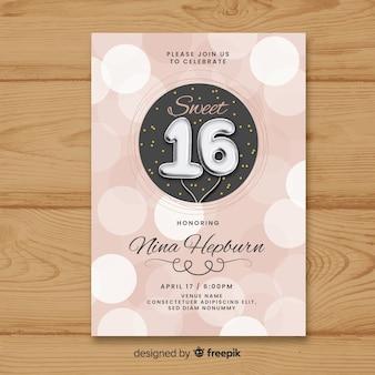 Muestra invitación globos plateados dieciséis cumpleaños