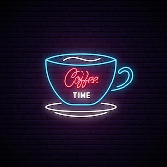 Muestra de neón de la hora del café.
