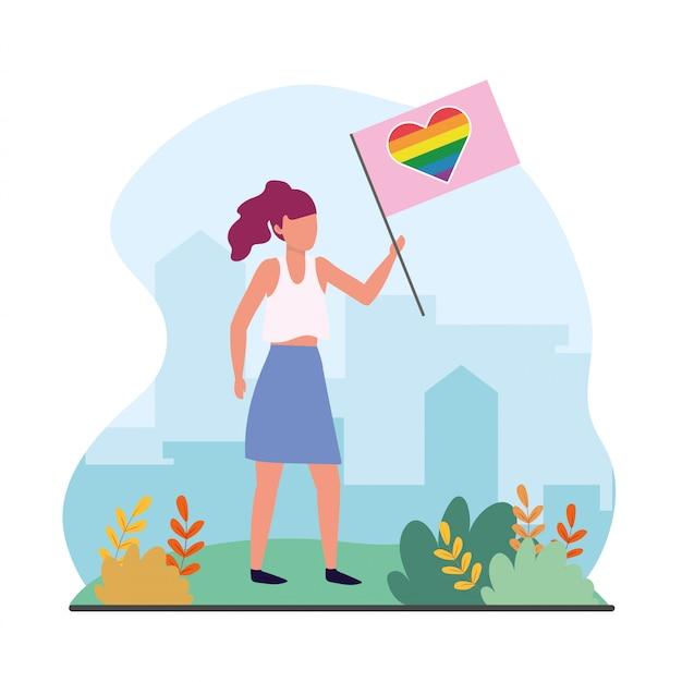 Mujer con bandera del corazón del arco iris para la celebración de lgtb
