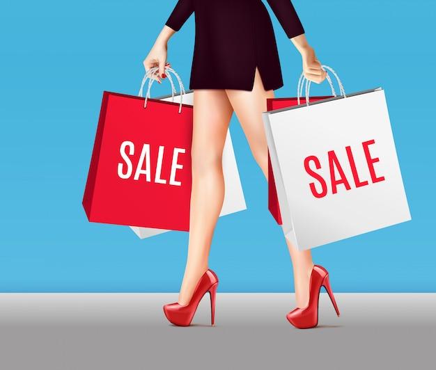 Mujer con bolsas de compras realista
