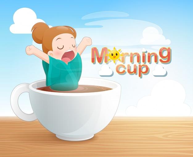 Mujer bostezando en una taza de café negro