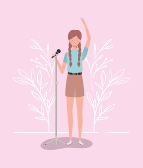 Mujer cantando con personaje de micrófono