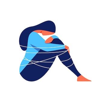Mujer deprimida envuelta cuerda sobre fondo blanco.