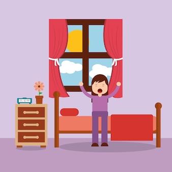 Mujer despertando en la cama y estiramiento