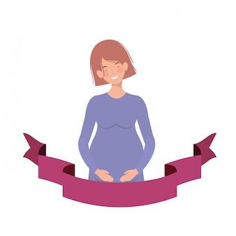 Mujer embarazada con cinta decorativa