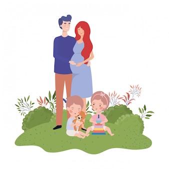 Mujer embarazada con esposo y bebé