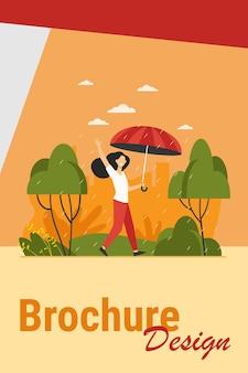 Mujer feliz caminando en día lluvioso con paraguas aislado ilustración vectorial plana. personaje femenino de dibujos animados al aire libre y lluvia de otoño. concepto de paisaje y clima