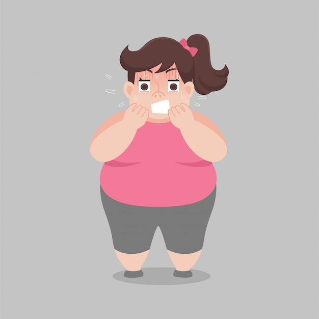 La mujer gorda y grande se preocupa por su cuerpo se ve más pesado
