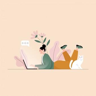 Mujer hablando y tumbado en el suelo con el portátil y su gato. ilustración plana