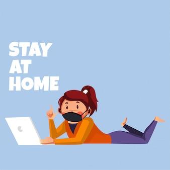 Mujer haciendo su actividad con su computadora portátil
