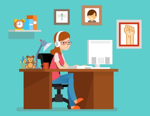 Mujer independiente que trabaja en casa con la computadora. en estilo plano. independiente de hogar, diseñador o programador autónomo, autónomo de espacio de trabajo