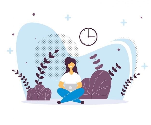 Mujer con laptop sentada.
