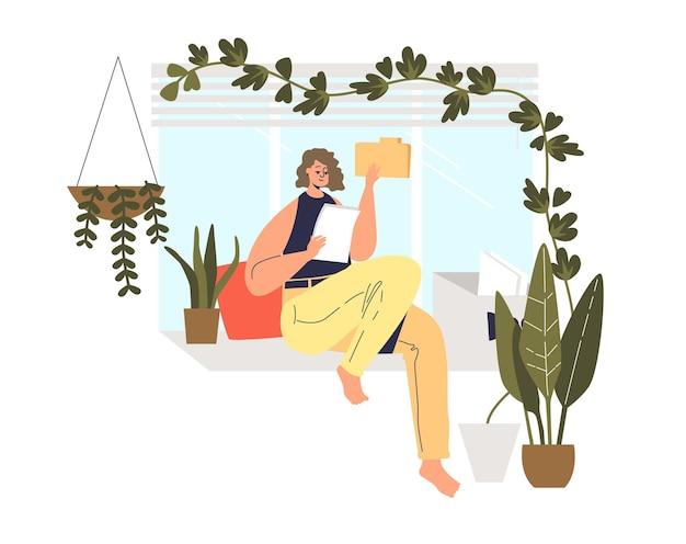 Mujer leyendo documentos en casa