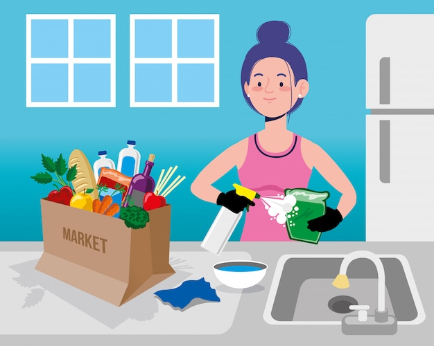 Mujer limpia compras suministros de alimentos