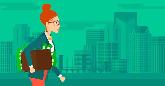Mujer con maleta llena de dinero.