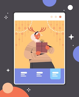 Mujer mayor, llevando, cuernos, abuela, tenencia, caja regalo, feliz año nuevo, feliz navidad, vacaciones, celebración, concepto, navegador web, ventana, autoaislamiento, en línea, comunicación, vertical, retrato, vector, illu