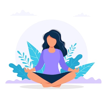 Mujer meditando en la naturaleza.