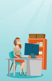 Mujer de negocios con las auriculares que trabajan en la oficina.