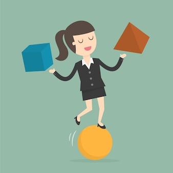 Mujer de negocios con formas geométricas
