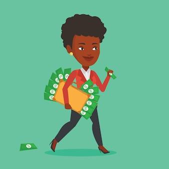 Mujer de negocios con maletín lleno de dinero.