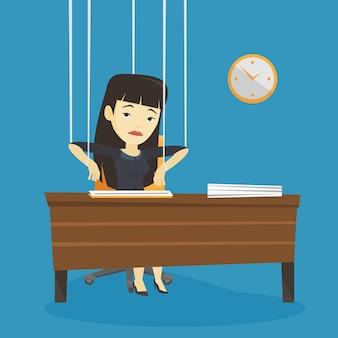 Mujer de negocios marioneta en cuerdas de trabajo.
