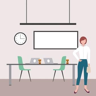 Mujer de negocios, en la oficina