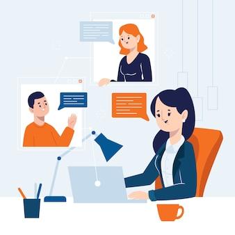 Mujer de negocios que tiene una reunión en línea