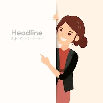 Mujer de negocios sonriente feliz apuntando con su dedo