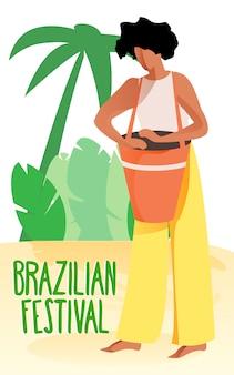Mujer negra tocando el tambor. festival brasileño