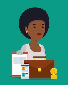 Mujer con perfil social para la cooperación comunitaria.
