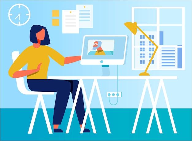 Mujer plana que tiene videollamada personal en la oficina