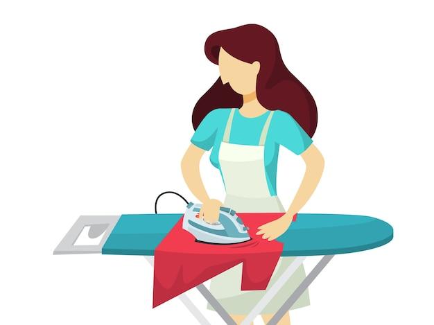 Mujer plancha ropa en la tabla de planchar