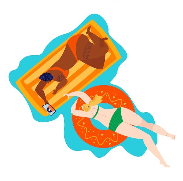 Mujer de playa positiva del cuerpo en trajes de baño, verano verano tallas grandes gordas caucásicas y chicas de piel negra aisladas en blanco ilustración plana.