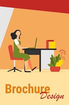 Mujer que trabaja en la oficina. empleado, trabajador, gerente, ilustración vectorial plana interior. lugar de trabajo, profesional, concepto empresarial