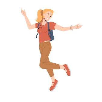 Mujer rubia con mochila saltar o saltar manos arriba