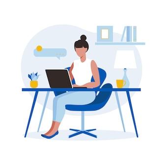 Mujer sentada mesa con ordenador portátil. trabajando en una computadora. freelance, educación en línea o concepto de redes sociales. concepto independiente o de estudio. estilo plano ilustración aislada en blanco.